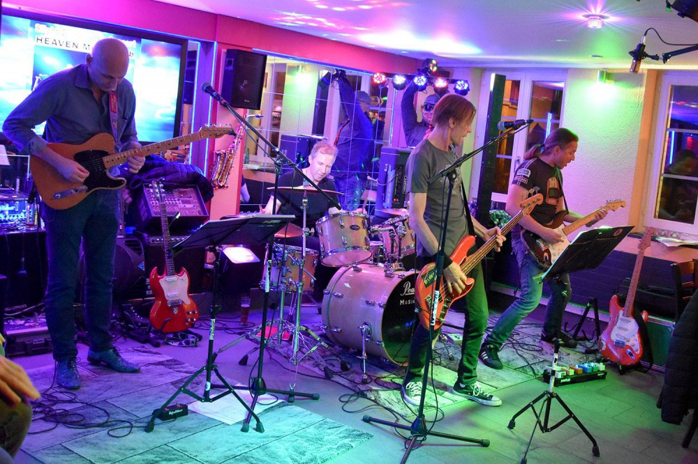 Live @Heaven Music Club